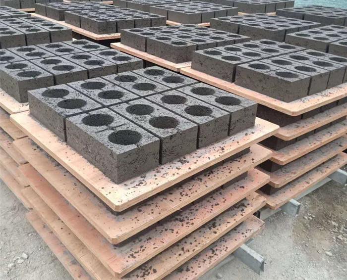 云南防腐耐磨托板生产厂家 欢迎来电 云南嘉缘免烧砖托板厂供应