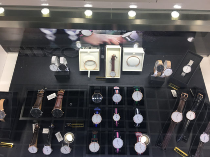 金湖欧米茄手表专柜,手表