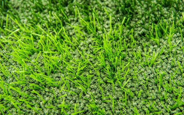 上海好用的人造草坪填充顆粒 有口皆碑「江蘇瑞弗橡塑材料供應」