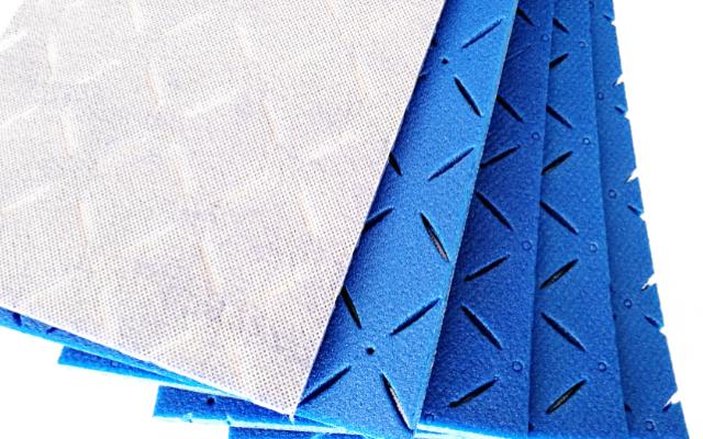 好的人造草坪减震垫价格多少 江苏瑞弗橡塑材料供应