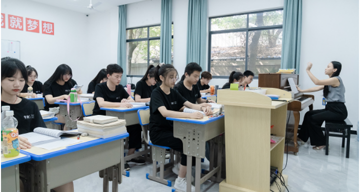 南昌美术艺术学校暑假班价格 服务至上 江西华溯文化传媒供应
