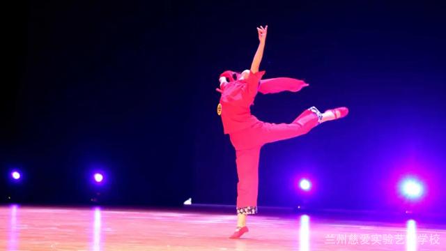 青海中國舞藝術培訓學校費用多少 蘭州慈愛實驗藝術職業學校供應 蘭州慈愛實驗藝術職業學校供應