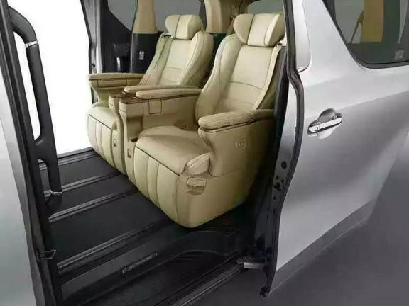 西山区航空座椅大概费用 客户至上 昆明品驰商务房车改装供应