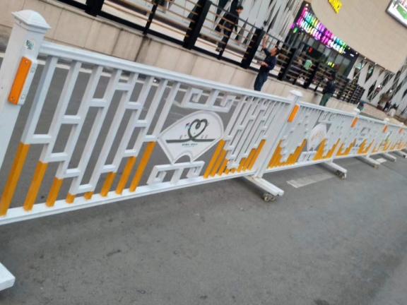 崇明区仓库道路护栏多少钱一平方 欢迎来电「上海派益交通设施供应」