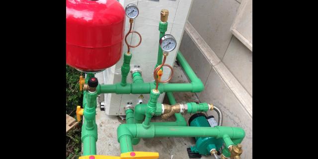 济宁空气源热泵热泵多少钱一台「青岛沃富新能源科技供应」