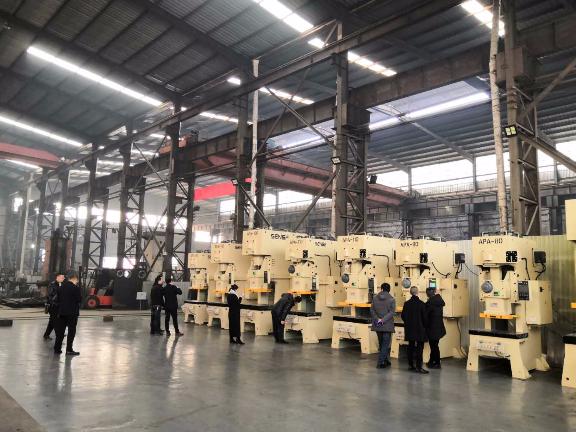 上海全自动冷镦机价格 来电咨询 上海森崎智能设备供应
