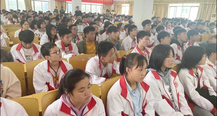 九江民办学校宿舍怎么样 欢迎来电「南昌少春中学供应」