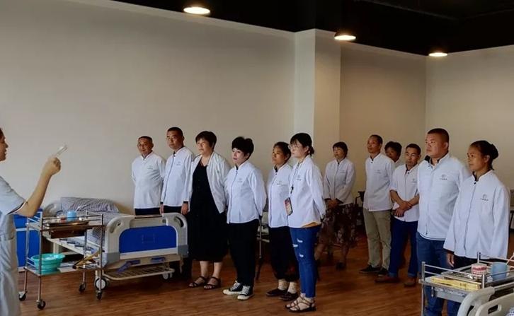 宝山区一对一陪护哪家更好 上海倍爱健康管理供应