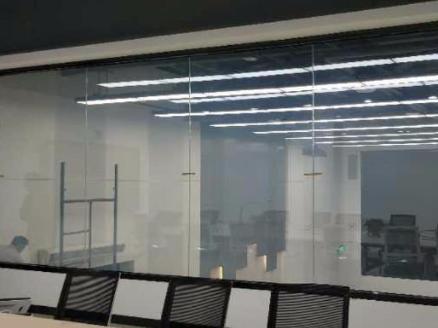 山东雾化玻璃施工,雾化玻璃