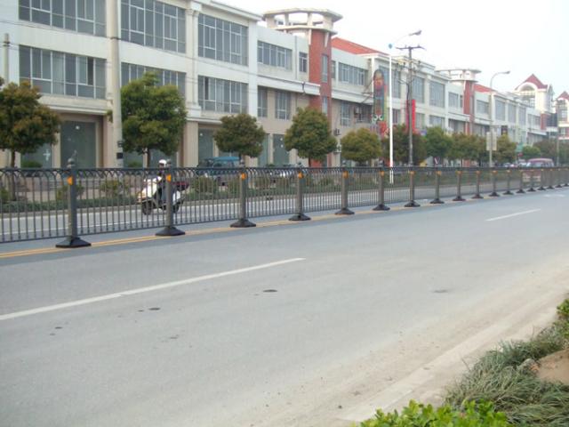 河道桥护栏制作报价「上海能运金属构件供应」