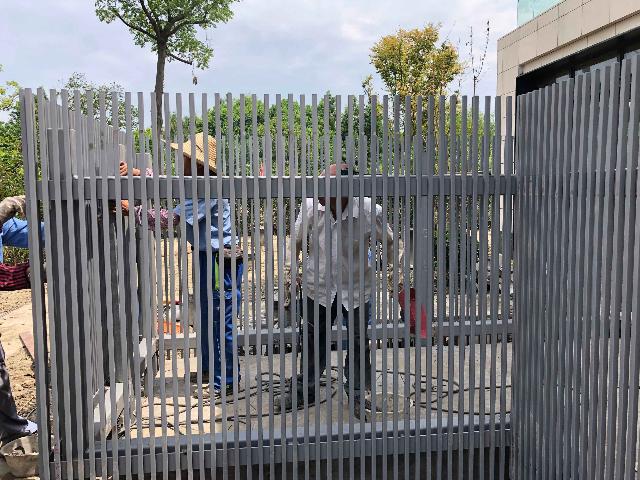 扬州工地围栏 欢迎咨询 上海能运金属构件供应