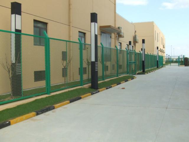 羽毛球场围栏制作 服务至上 上海能运金属构件供应