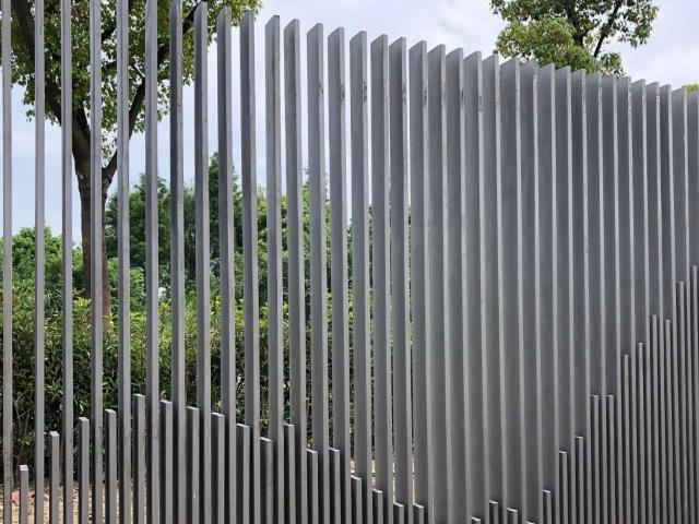 铝合金栏杆订做费用 上海能运金属构件供应