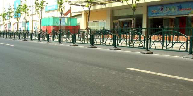 新型道路护栏订做商家 上海能运金属构件供应