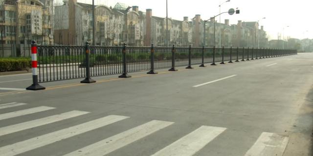 道路交通道路护栏订做 上海能运金属构件供应