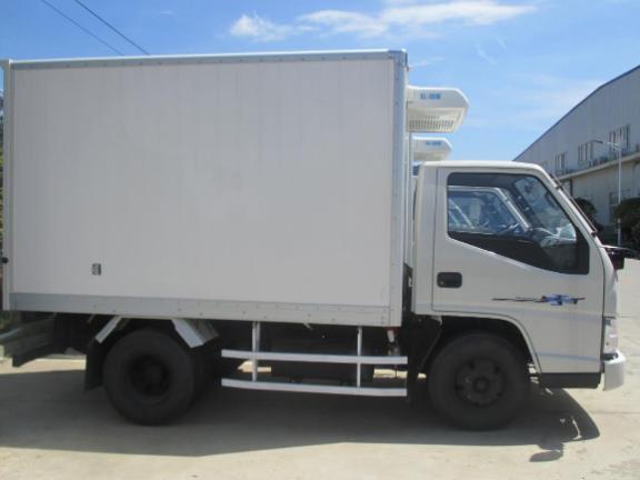 上海江铃冷链车供应报价,冷藏车