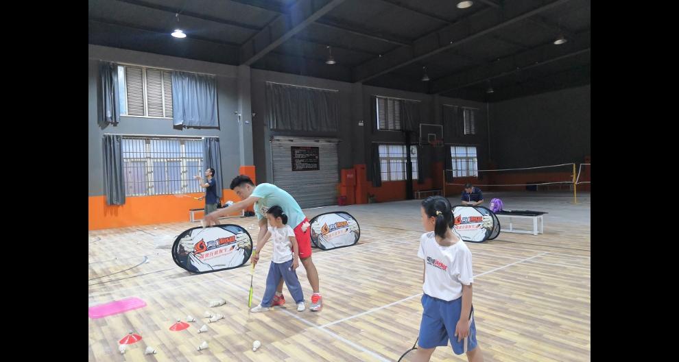 松江羽毛球培训多少钱 推荐咨询「奕成训练营供应」