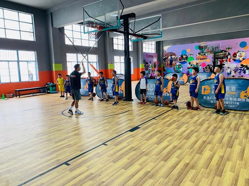 上海假期篮球培训收费