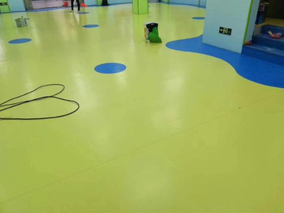 上海塑胶地板费用是多少
