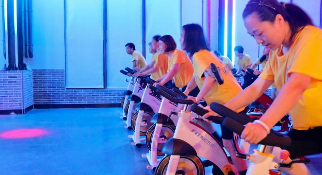 高新区时代动感单车 客户至上 上海造梦人体育发展供应
