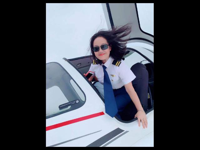 国内飞行员跳伞培训暑假夏令营