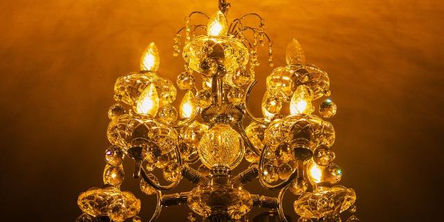 金山区优势水晶灯环保材料