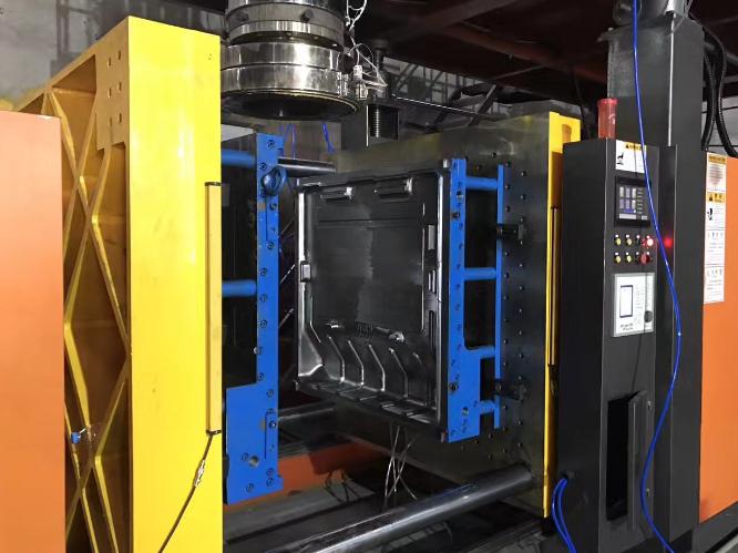 全自动注吹中空成型机生产厂家 台州市融亚机械设备供应