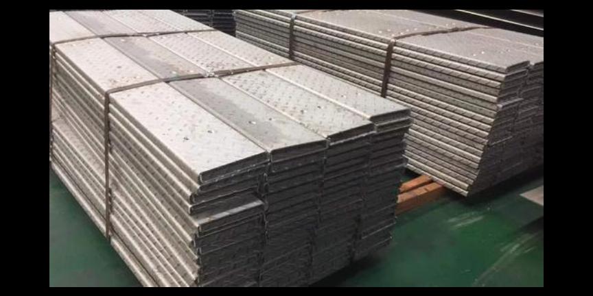 四川316L不锈钢防滑板价格「无锡鑫华钜金属制品供应」