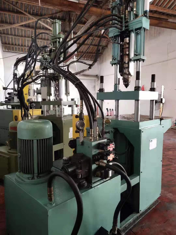 上海市立式注塑機市場價 創造輝煌「瑤溪良俊注塑機維修供應」