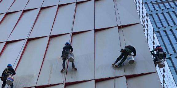 厦门地区专业高空外墙清洗价格优惠,高空外墙清洗