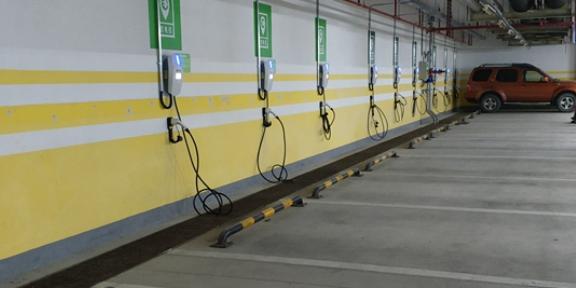 东风车交流充电桩批发 客户至上 上海欣诣科技供应