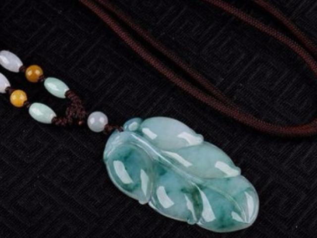 臨汾翡翠雞吊墜 服務至上「瑞麗市迅盟珠寶供應」