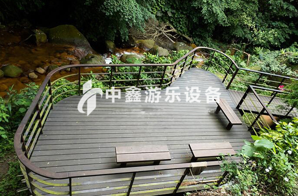 四川玻璃观景平台安装哪家好 新乡市中鑫游乐设备供应
