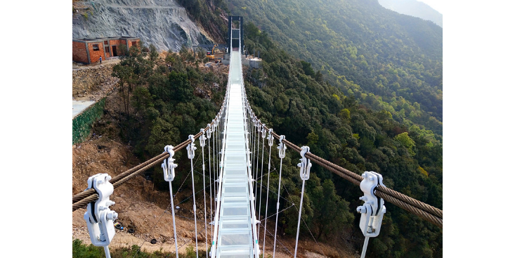 广西玻璃吊桥安装,桥