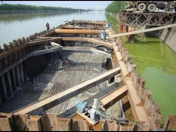 山东钢板桩施工机械「上海岩山建筑安装工程供应」
