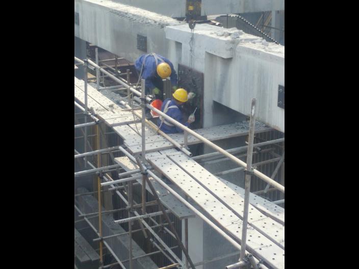 大冶楼板外包型钢加固