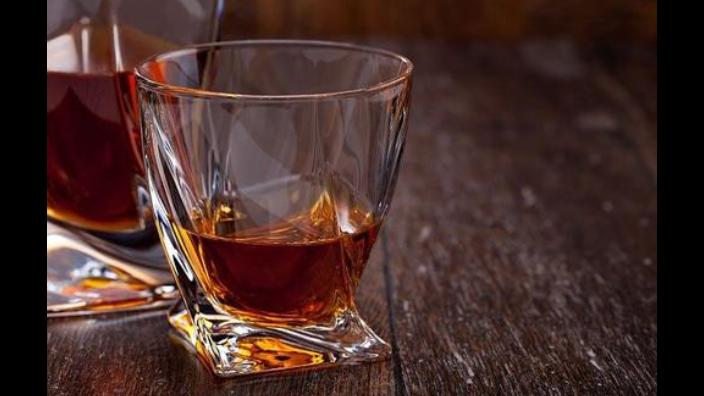 烟台经典威士忌生产厂家 有口皆碑 山东玲珑酒业供应