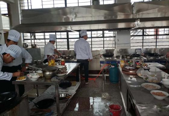 昆明烹调师培训考证 昆明远达技能培训学校供应