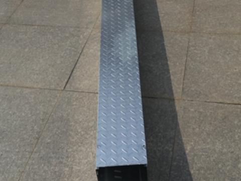 喷涂槽式桥架定制 推荐咨询 上海扬迅电气设备供应