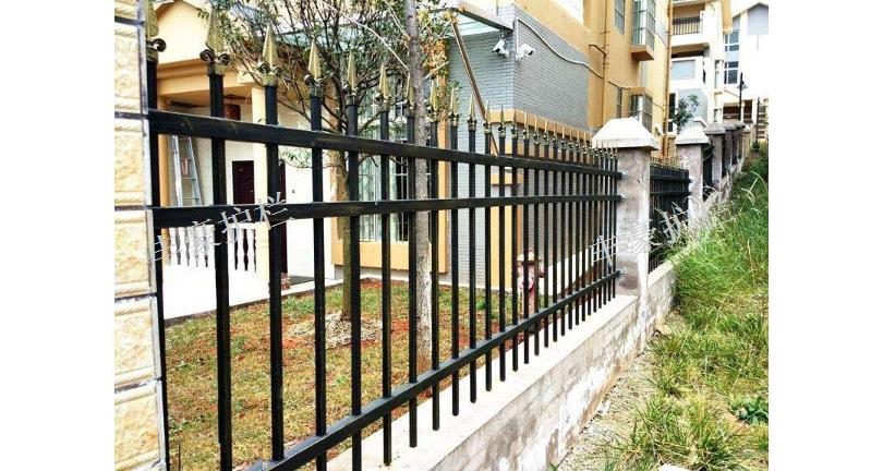 南通社区围墙护栏多少钱一米 服务为先 苏州丰豪五金筛网制品供应