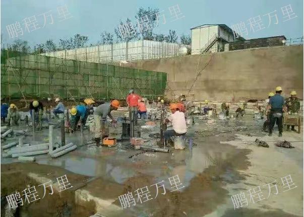 新市区混凝土保护性拆除要多少钱 新疆鹏程万里建筑工程供应