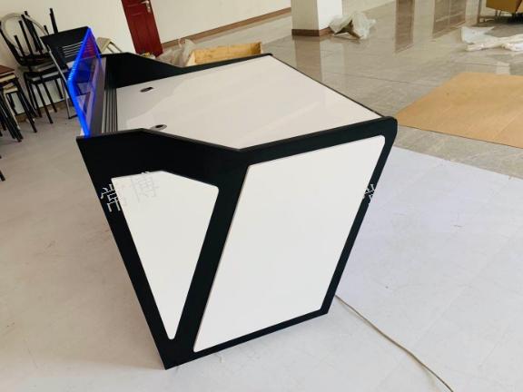 江苏不锈钢餐桌专业制造 欢迎咨询 常州市博奥电器设备供应