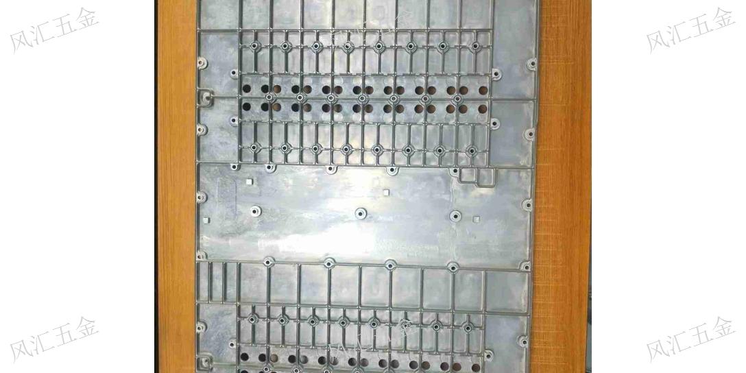 虎门生产钛合金CNC那里有「东莞市风汇五金科技供应」