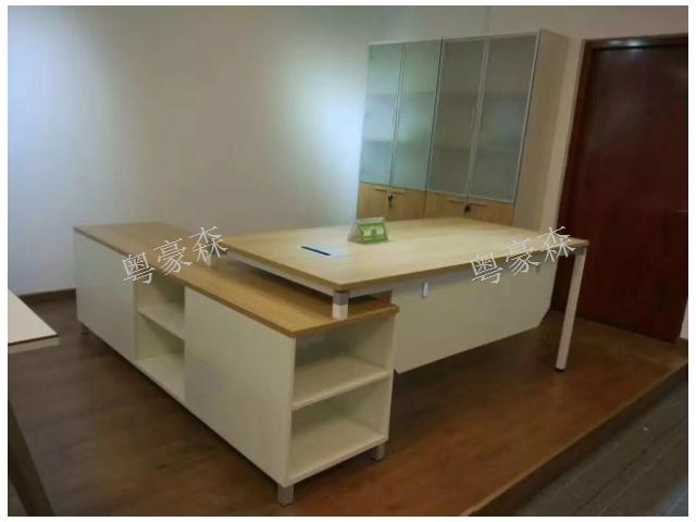 贵阳教室桌价格比较 诚信服务 贵阳粤豪森办公家具供应
