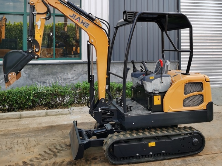 锡林郭勒小型履带挖掘机 泰安嘉和重工机械供应