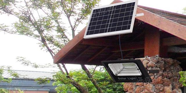 三台一体化太阳能投光灯多少钱 诚信为本「四川竞阳新能源供应」