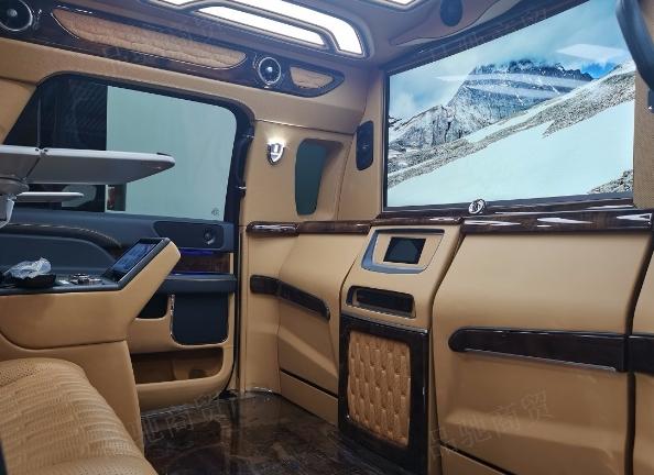 昆明奔馳v250商務車改裝店 服務至上 昆明品馳商務房車改裝供應