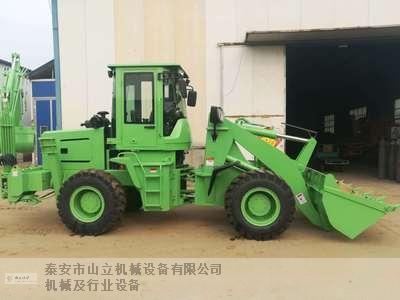 新疆农业两头忙 泰安市山立机械设备供应