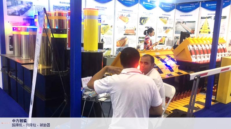 西藏防撞柱厂家批发价格 深圳市中方智能供应